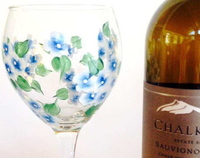 Cape Cod Blue Hydrangea Wine Glass.  20 oz.  Hand Painted.