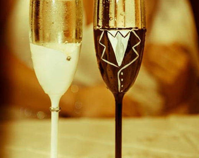 Wedding Mr. and Mrs. champagne flutes, 8 3/4 inches tall.  6.25 ounce
