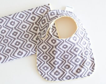 Baby Shower Gift Set, Edurado Coin Bib and Burp Cloth Unisex Baby Gift Set with Minky