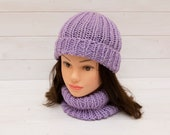 Knitted ribbed lilac hat with matching neckwarmer - Snuggly tubular scarf - Winter outfit gift - Warm and lightweight