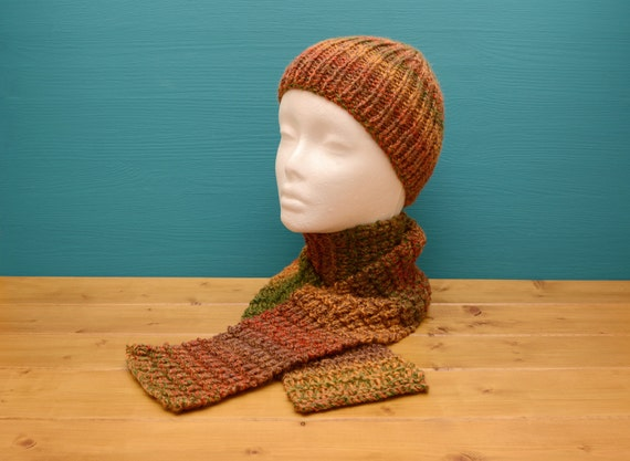 Kids' fall colours knitted ribbed hat and scarf set