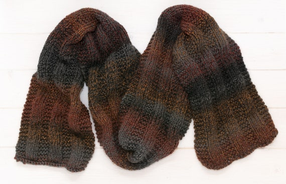 Cosy knitted brown-grey scarf - Striped - Adult winter cloth
