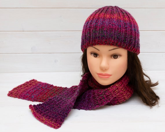 Kids' deep pink knitted ribbed hat and scarf set
