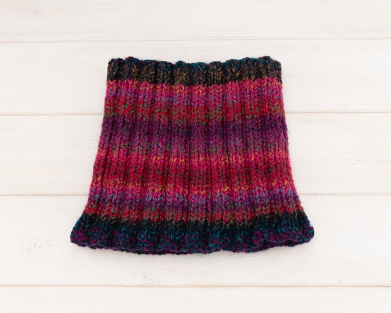 Stretchy ribbed deep pink neckwarmer - Contrasting dark blue