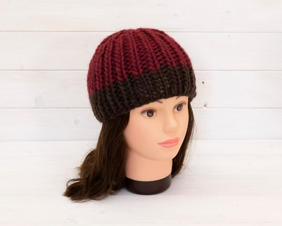 Chunky red knitted hat with brown brim stripe - Wool beanie