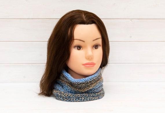Blue-grey honeypot style neckwarmer