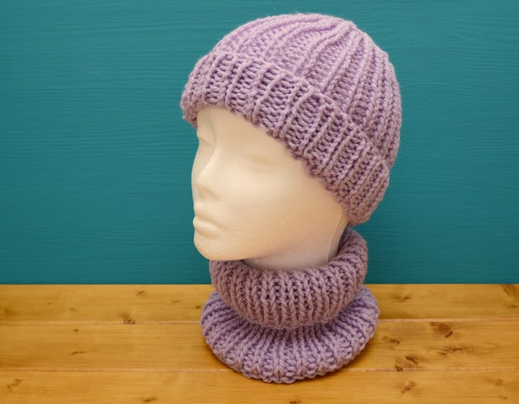 Kids' knitted ribbed lilac hat with matching neckwarmer