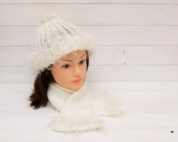 White knitted snowball hat and scarf set
