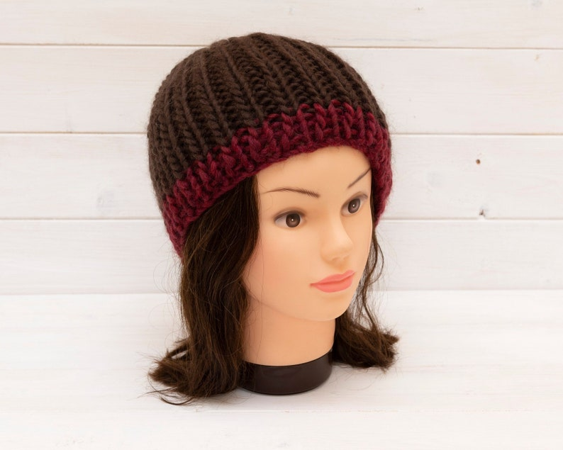 Large chunky ribbed knitted hat  brown beanie with red brim image 0