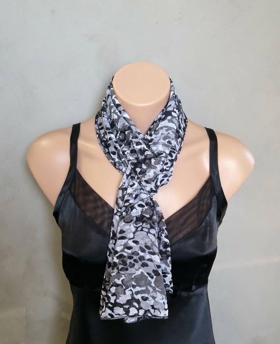 Foulard long foulard Skinny noir foulard blanc noir foulard   Etsy 9331ca1c938