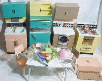 Barbie Deluxe Dream Kitchen vintage barbie 1960s lots of extras food and dishes included