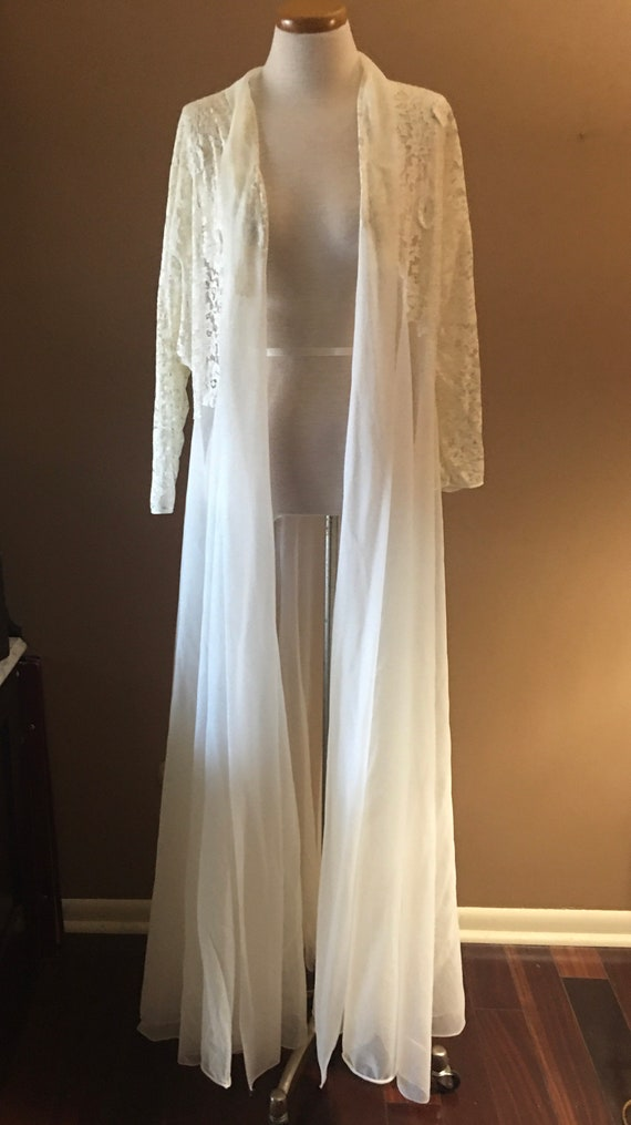 Beautiful Ivory Lace  Chiffon Peignoir, Robe, Ling