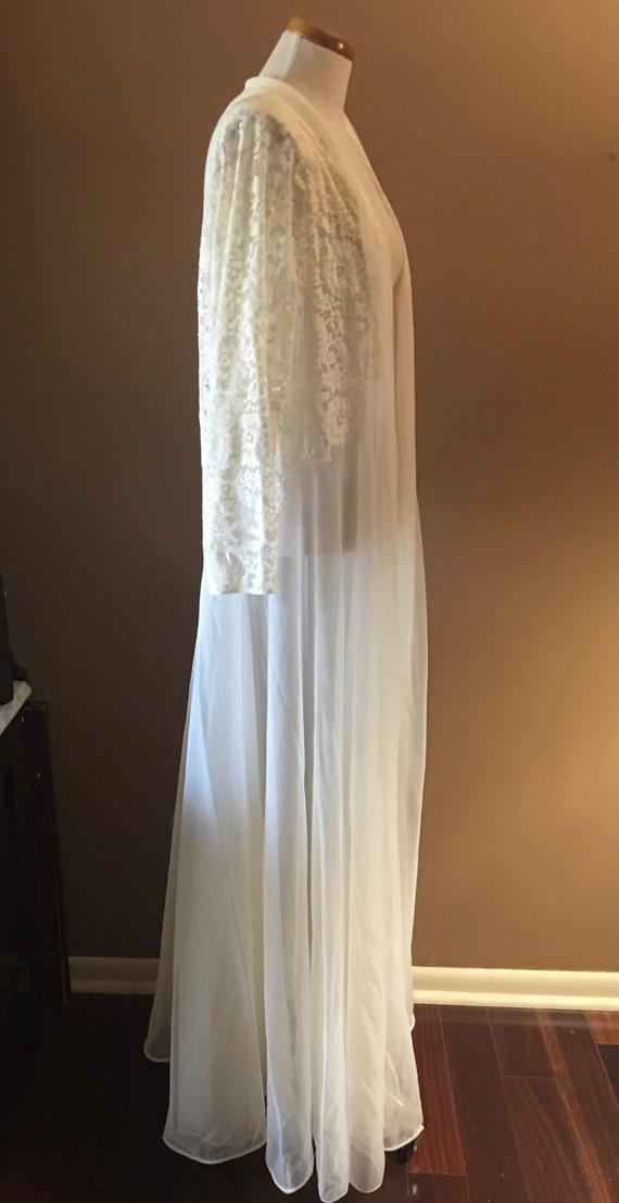 Beautiful Ivory Lace  Chiffon Peignoir, Robe, Lin… - image 2