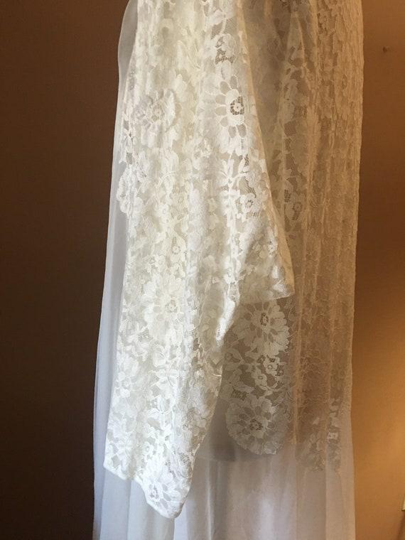 Beautiful Ivory Lace  Chiffon Peignoir, Robe, Lin… - image 6