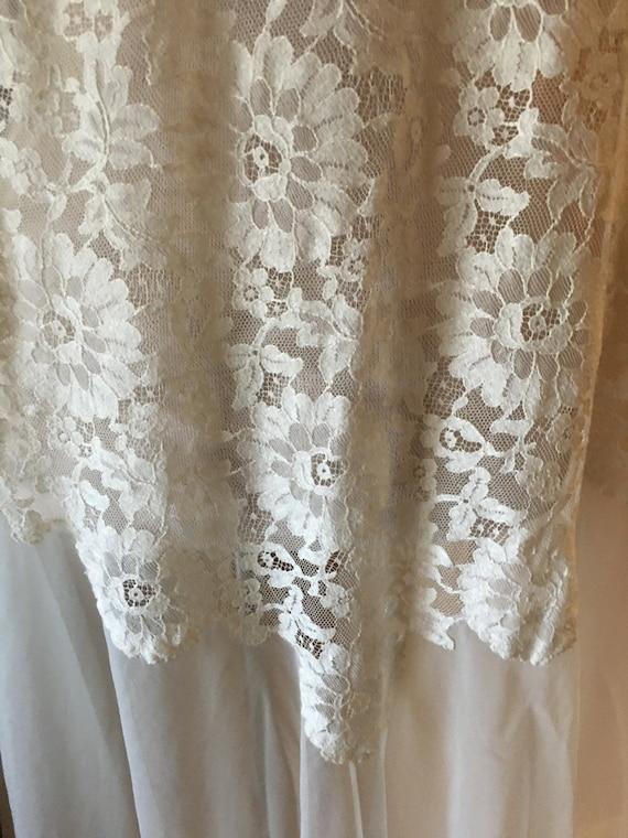 Beautiful Ivory Lace  Chiffon Peignoir, Robe, Lin… - image 4