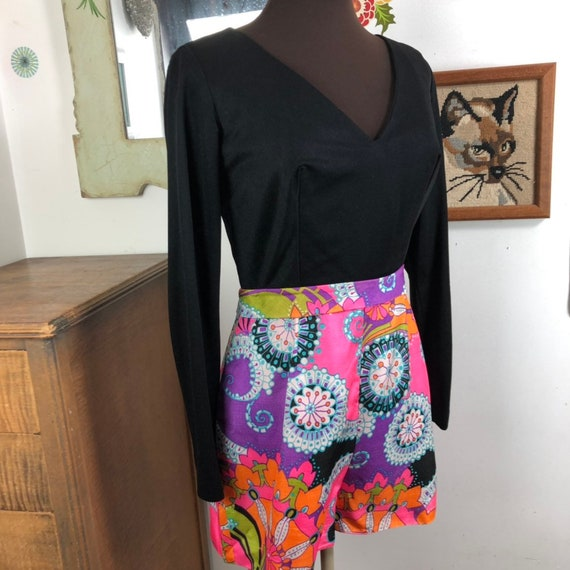 Vintage Romper Psychedelic Print Shorts with Long… - image 4