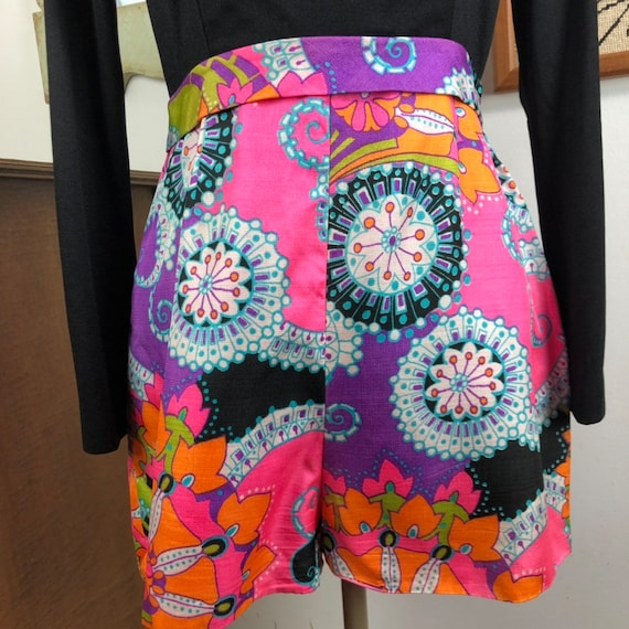 Vintage Romper Psychedelic Print Shorts with Long… - image 3
