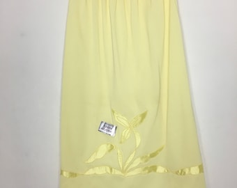 Vintage Half Slip Yellow New Old Stock Lingerie Knee Length Appliqué Pin Up Style Boho Grunge Skirt
