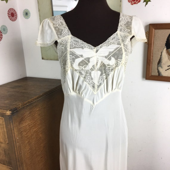 47cbfd167 Vintage Nightgown Full Length Slip Lingerie 1940s Lace and