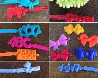 Vintage Plastic Barrettes, Lot of 16 Single Hair Clips, Bows, Music Notes, Animals, Alphabet