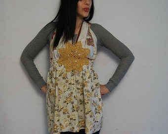 recycled HALTER top / 1960s bohemian FLORAL print blouse