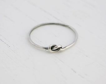 Nauti Knot Ring
