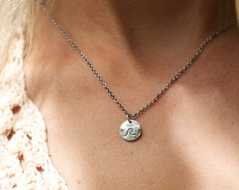Wave Tab Layering Necklace