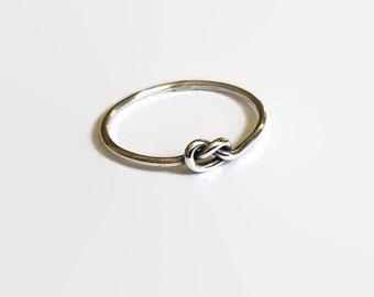 Nauti Love Knot Ring
