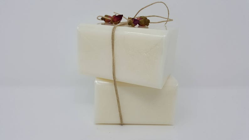 2 lb GoLdEn JOJOBA OIL Melt and Pour Soap 100 All Natural No SLS Base Vegan Sodium Laurel Sulfate Free Wholesale