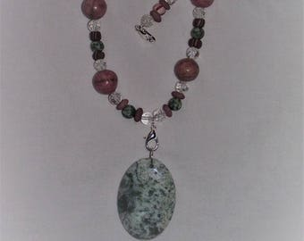 Pinks and Greens beaded necklace with changeable pendants