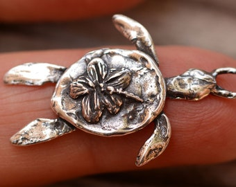 Hibiscus Sea Turtle, Sterling Silver Pendant or Charm, SS-854