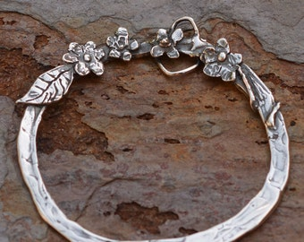 Sterling Silver Charm Holder // Artisan Handcrafted Flower Pendant Circle // PN-461