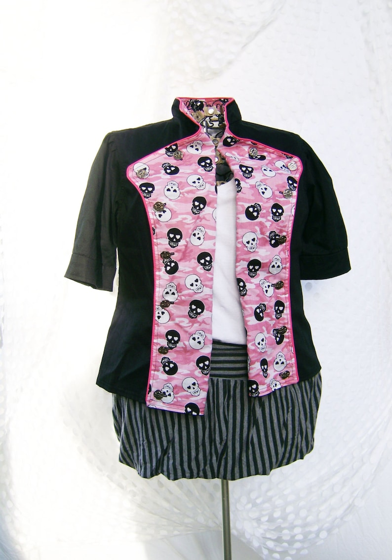 Short-sleeved double-breasted jacket with skull and camo lapels size extra large plus size