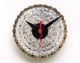 bicycle gear clock, cycle, Recycle, Bike, boyfriend, girlfriend, unique ,repurpose, reuse, chain, upcycle, wall, battery, sprocket, cog, red