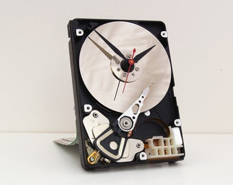 Hard Drive Clock, Unique, Industrial, Birthday, Dad, Father, Boyfriend, girlfriend, Tech, reclaim, recycle, upcycle, reuse, computer, PC,