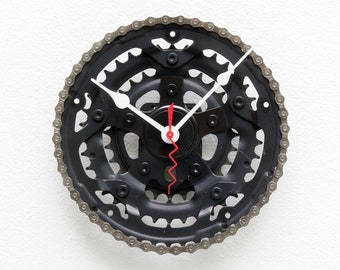 Bike Gear Clock, bicycle, cycle, boyfriend, girlfriend, unique, repurpose, Recycle, reuse, Upcycle, chain, Gear, wall, battery, time, black
