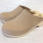 Nude nubuc classic Low heel clog