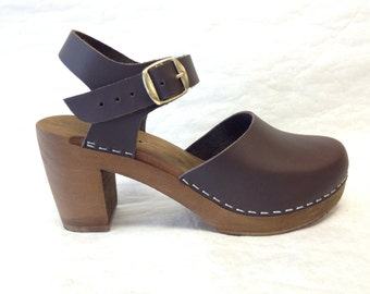 Sophie SH // Dark brown oiled Super High Heel with buckle ankle strap