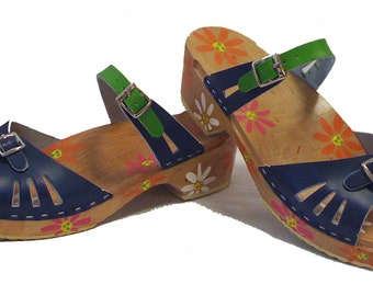Vera sandal Low heel with Floral painted base