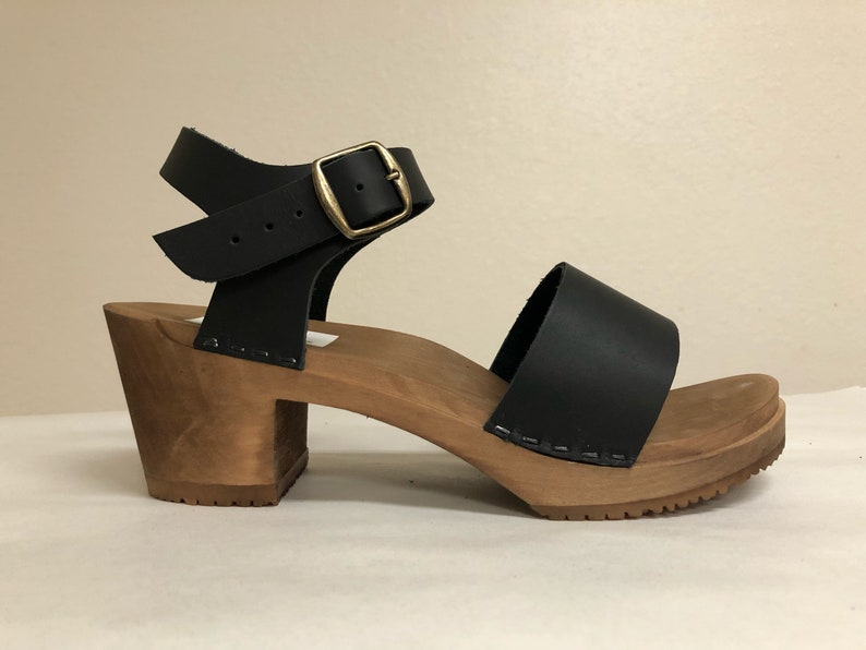 Wide strap sandal on Medium heel in Black oiled with Buckled image 0