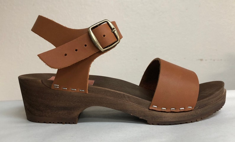 Wide strap sandal low heel in honey oiled with Buckled ankle image 0