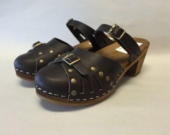 Sasha Med // Dark brown oiled Sascha mary jane  Medium Heel with bronze studs