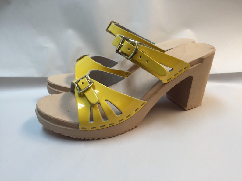 Bright yellow patent super high  sandal image 0