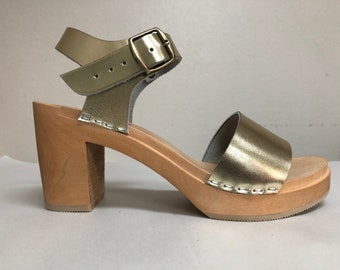 Lucy // Wide Strap Leather Sandal in Gold