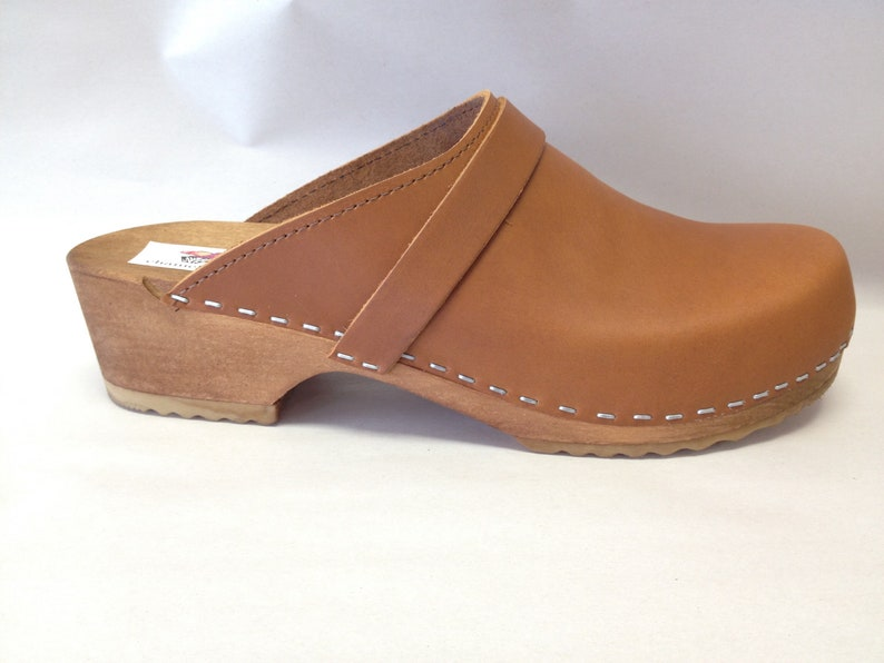 Honey oiled classic Low heel clog image 0