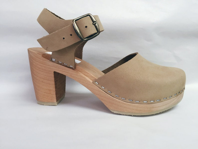 Nude Nubuc Mary Jane on a natural Super High Heel with buckled image 0