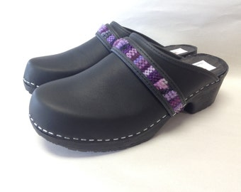 Black oiled classic clog on Rubber Comfort base with Purple woven accent