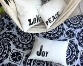 Christmas Throw Pillows / Set of 3