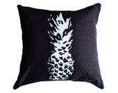 Pineapple Pillow / Pineapple Decor / Black & White Pineapple Pillow / Tropical Decor / Tropical Pillow / Pineapple Pillow Cover