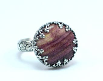 Purple Spiny Oyster, Sterling Silver Ring, US Size 8 Ring, Ready to Ship, Statement Ring, Cocktail Ring, Botanical Design, Artisan Ring